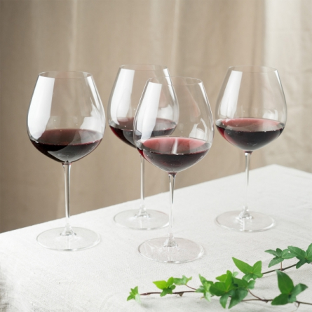 Veritas Old World Pinot Noir 70,5cl, 4-pack